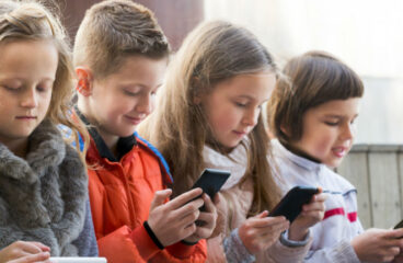 Check these 5 Tips Before Buying Your Child Their First Phone